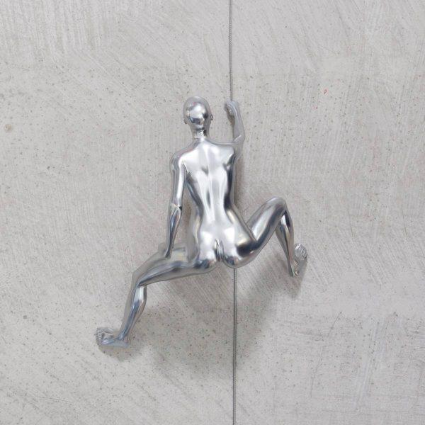 CLIMBING-scalatore-donna-cromo-da-appendere-rivolto-verso-l'alto_1