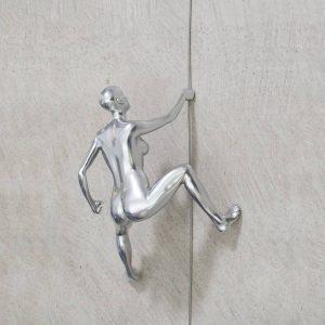 CLIMBING-scalatore-donna-cromo-da-appendere-rivolto-verso-l'alto_2