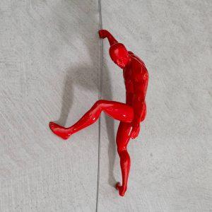 CLIMBING-scalatore-uomo-rosso-da-appendere-rivolto-verso-il-basso_2