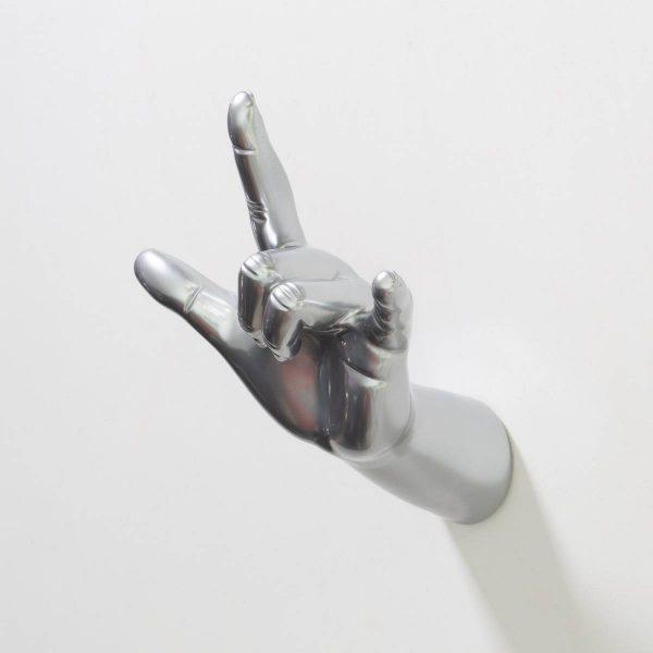 HANGER-hand-–-I-love-you-mano-appendiabiti-cromo