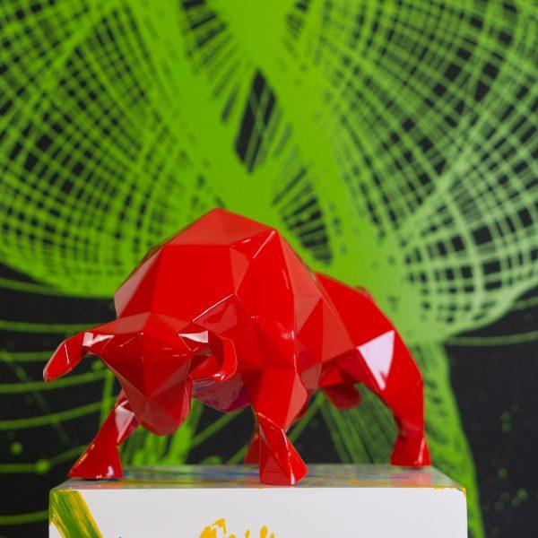 animals-toro-rosso-5