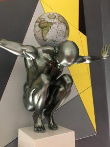 atlas-grigio-metallizzato-globo-antico-bianco-7