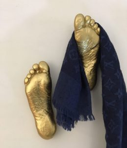 hanger-foots-appendiabito-oro-2