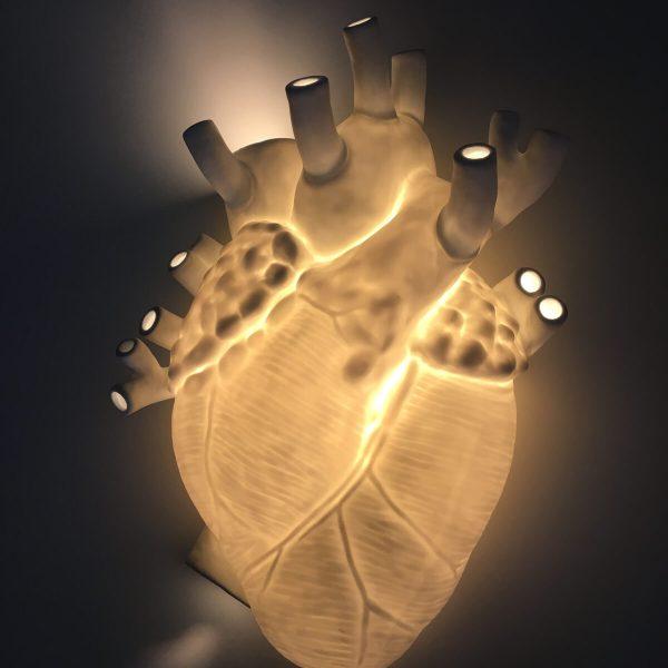 heart-cuore-lampada-bianca-accesa