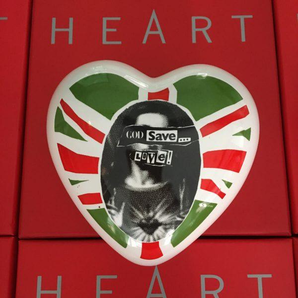 the-heart-god-save-love-23