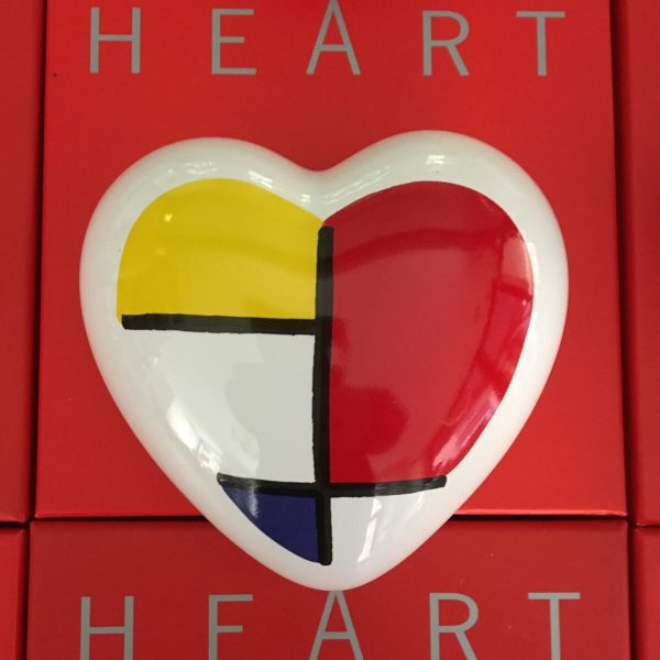 the-heart-mondrian-style-24