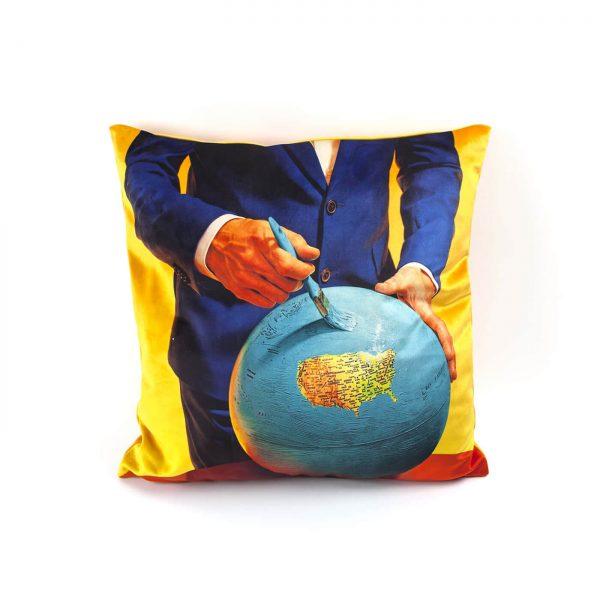 toiletpaper-cuscino-globe-1