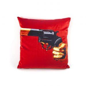 toiletpaper-cuscino-revolver-1