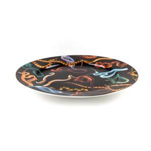toiletpaper-porcelain-plates-snakes-2