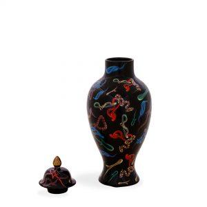 toiletpaper-vase-sneakes-2